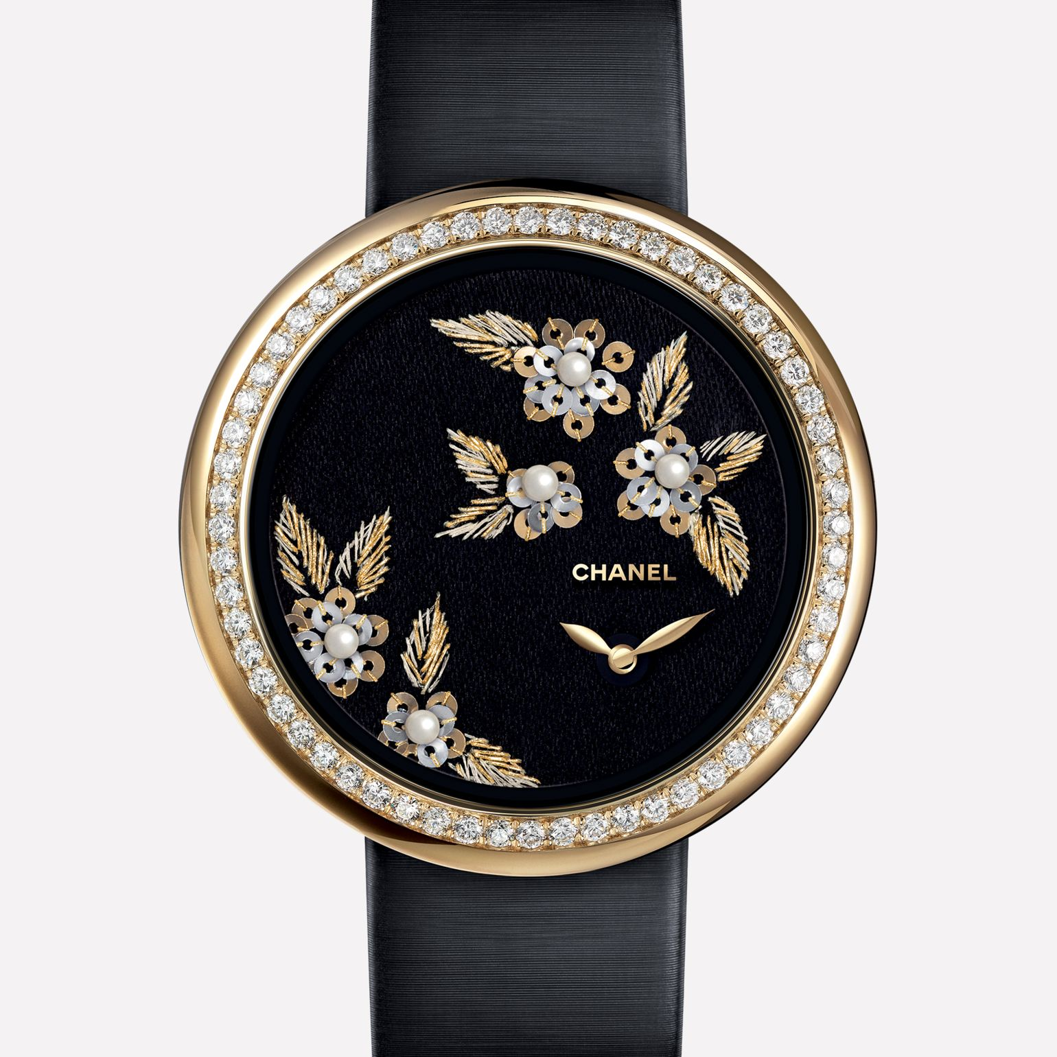 Mademoiselle Privé Watch Camellias in gold thread, fine pearls, and gold spangles - Lesage embroidery