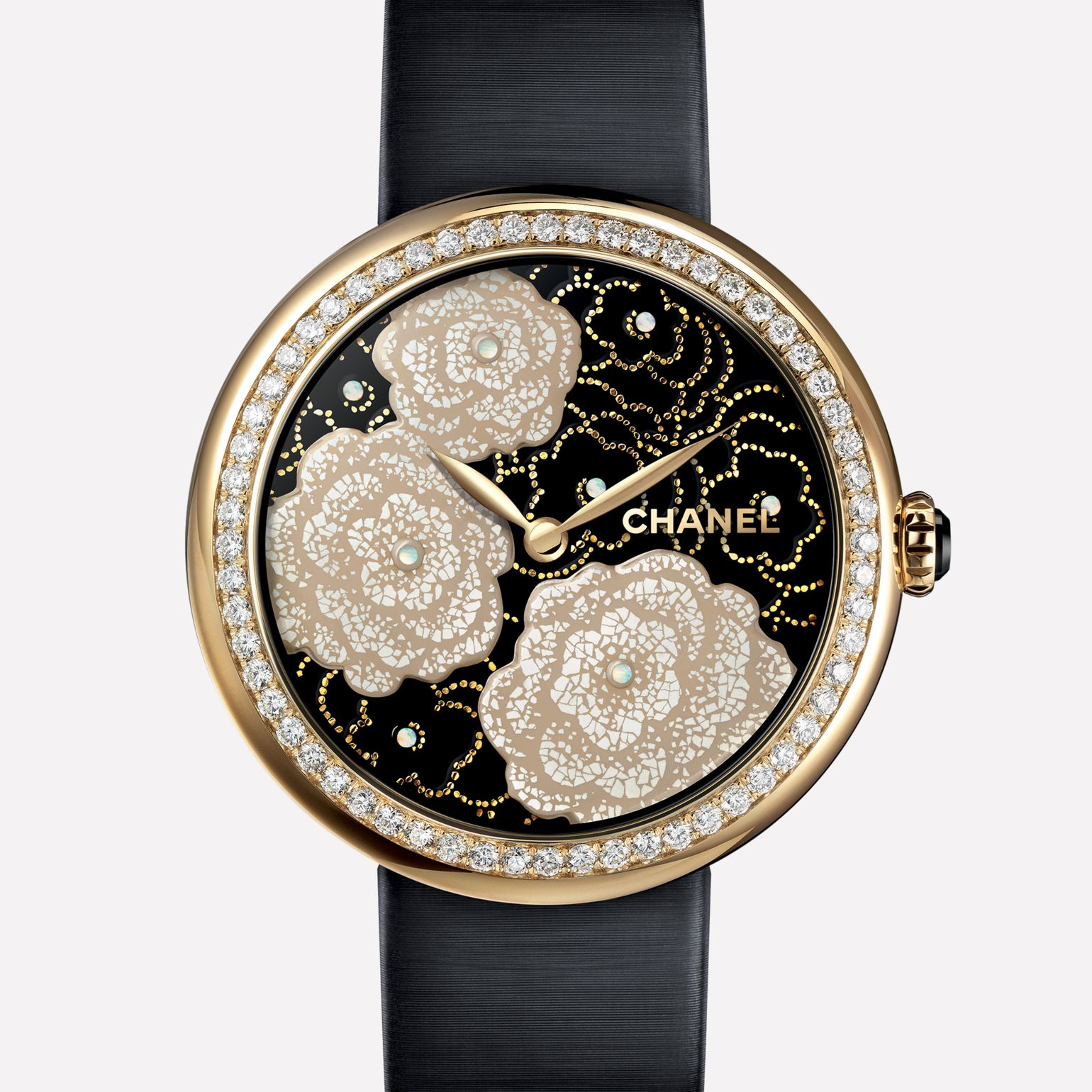 Mademoiselle Privé Watch Camellias in yellow gold and quail eggshells, black lacquer dial - Maki-e technique