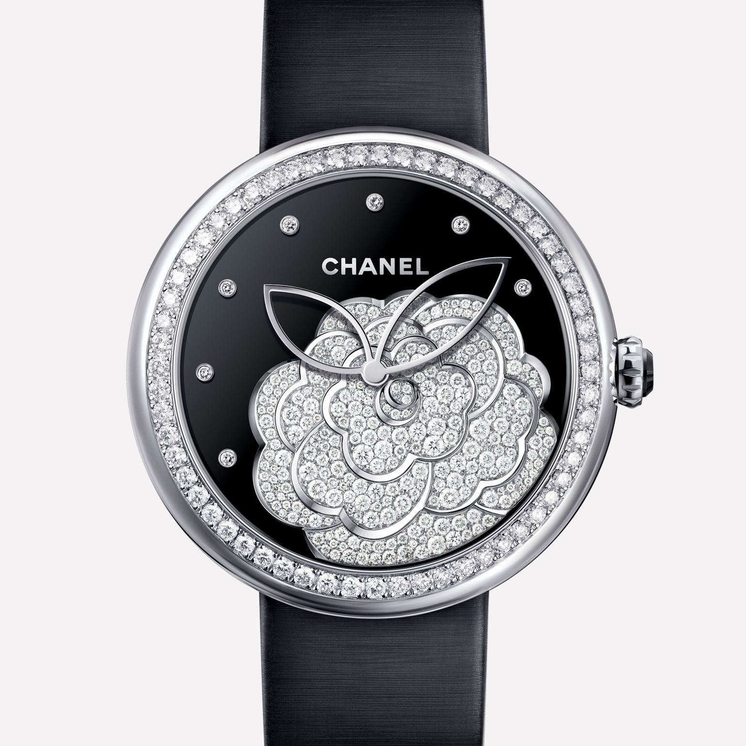 Mademoiselle Privé Watch Camellia set with diamonds, onyx dial, diamond indicators
