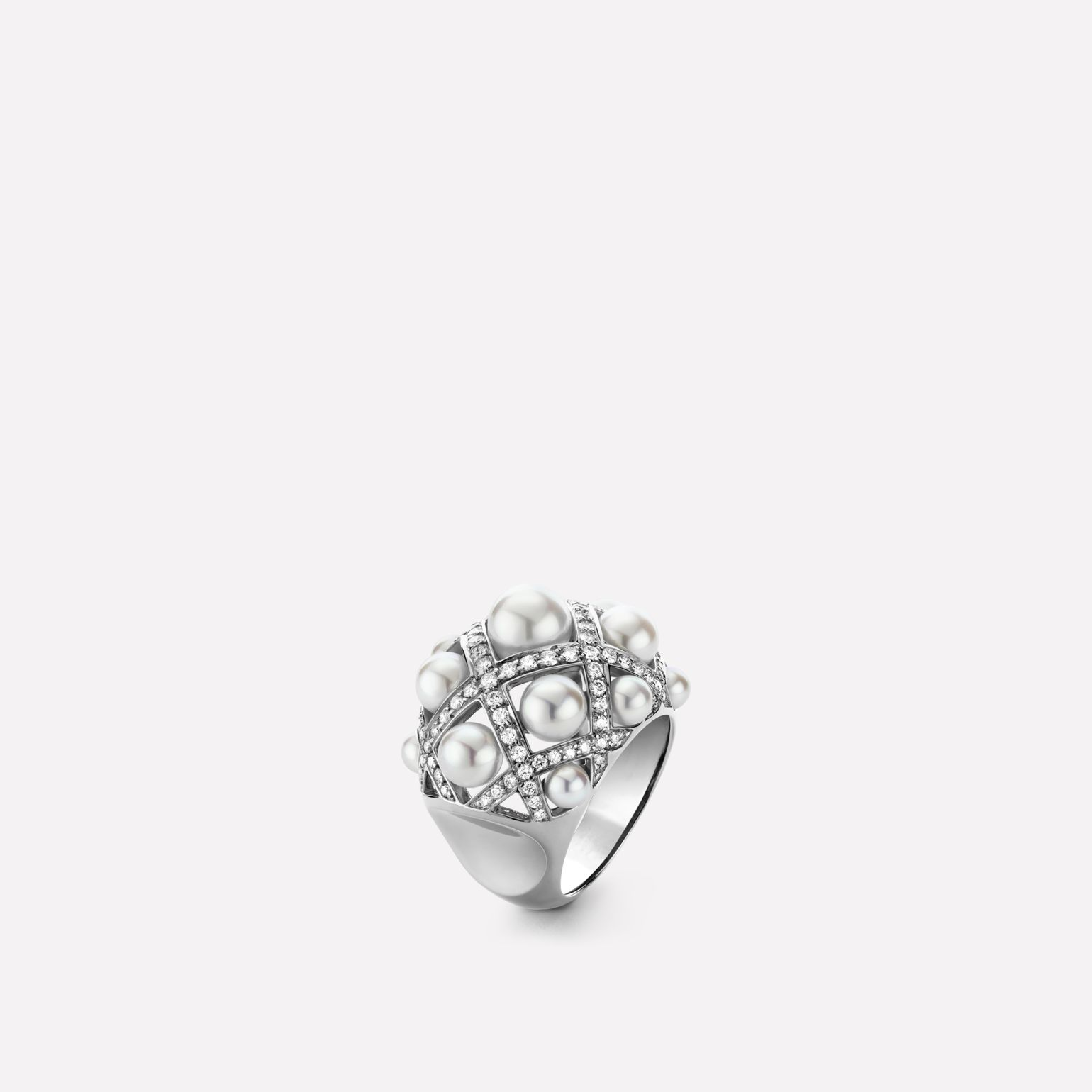 Perles Matelassé ring Large version, 18K white gold, diamonds, cultured pearls