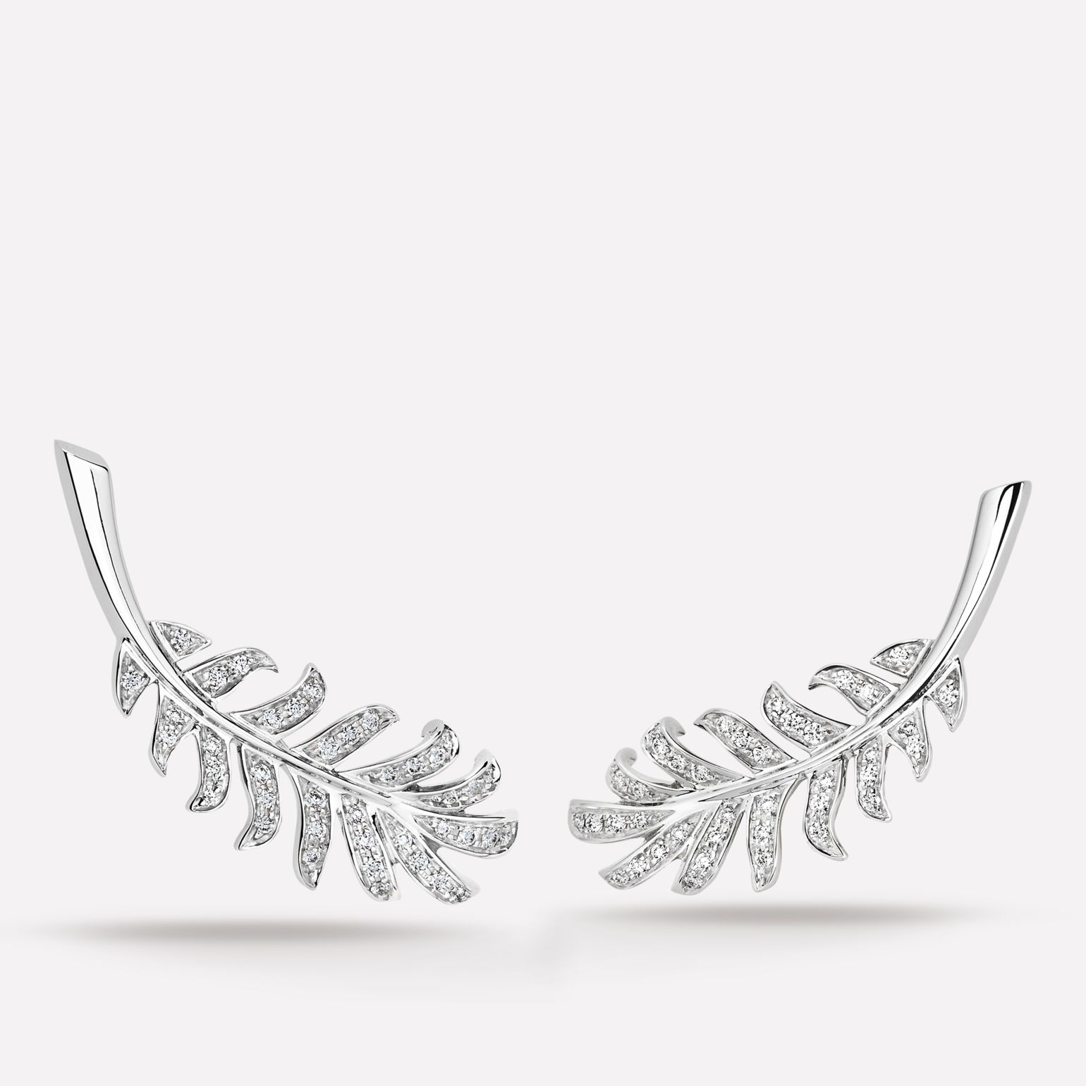Plume de CHANEL earrings Plume earrings in 18K white gold and diamonds