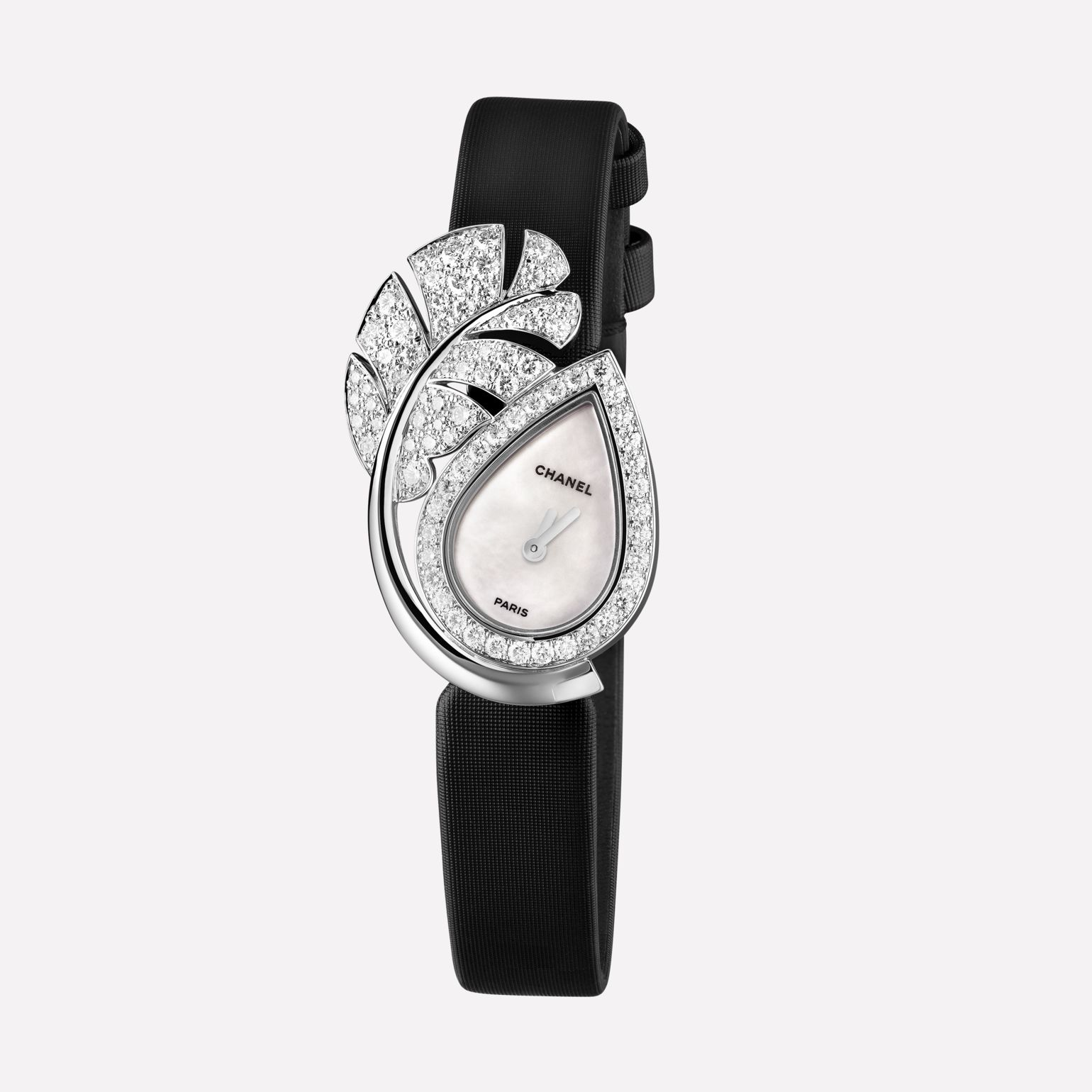 Plume de CHANEL Jewellery Watch Feather motif in 18K white gold and diamonds