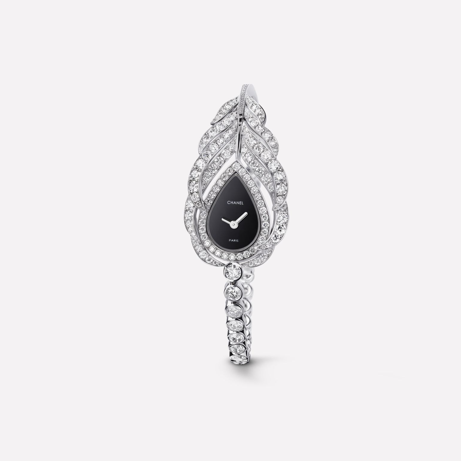 Plume de CHANEL Jewelry Watch Plume motif in 18K white gold and diamonds with diamond bracelet