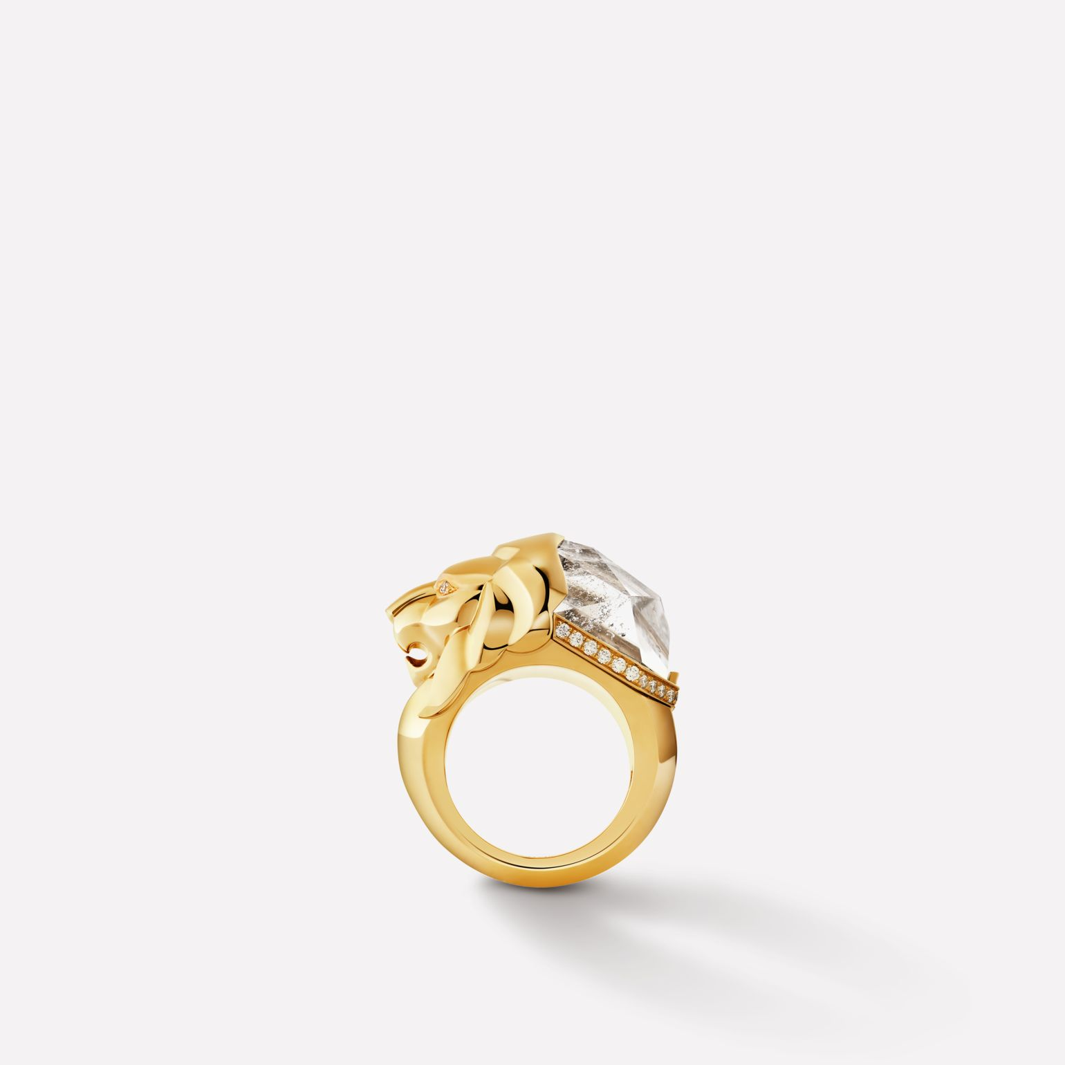 Sous le Signe du Lion ring Lion Sculptural ring in 18K yellow gold, diamonds and quartz