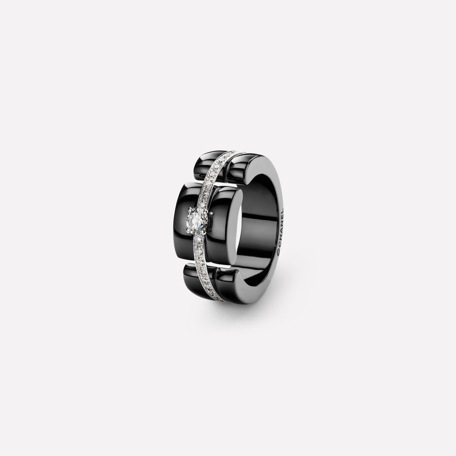 Ultra ring Ultra ring, large version, in black ceramic, 18K white gold and diamonds with one center diamond